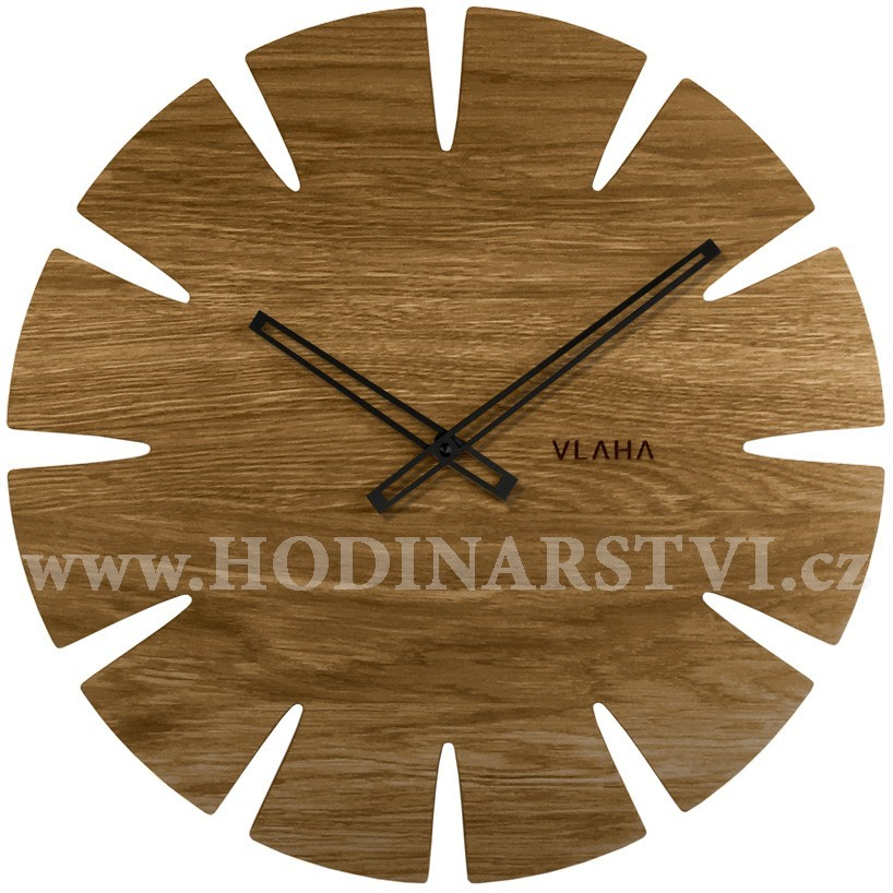 Dubové hodiny VLAHA VCT1032 vyrobené v Čechách s černými ručičkami